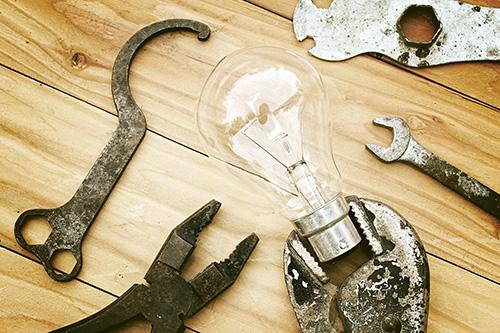 wrench-lightbulb